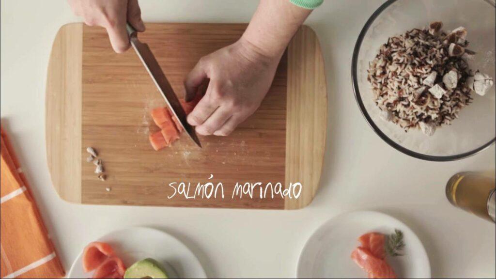 Picamos el salmón marinado