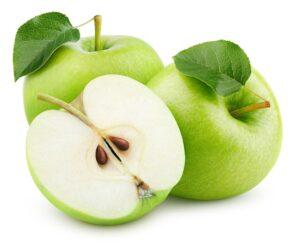 Lavamos y cortamos la manzana