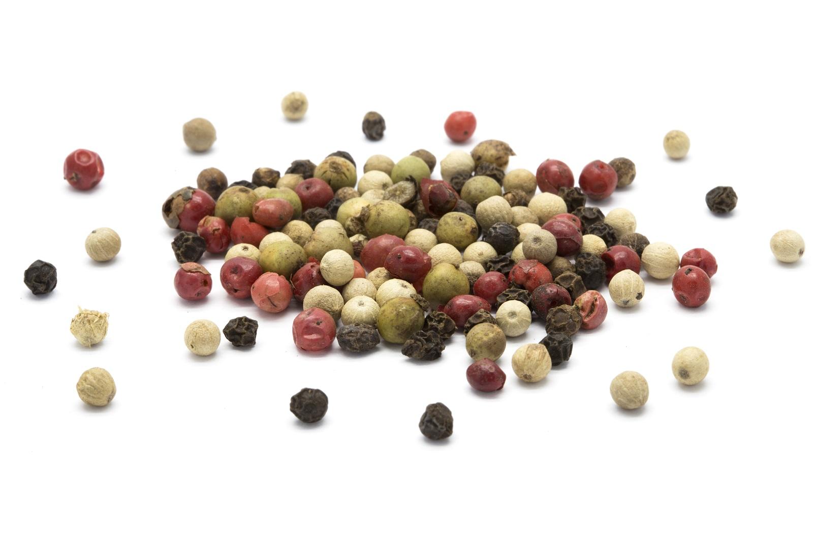 Añadimos unos granos de pimienta