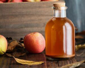 Añadimos el vinagre de manzana a la mezcla