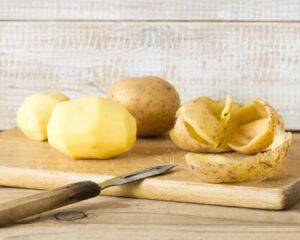 Añadimos las patatas troceadas
