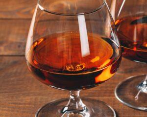 Añadimos brandy al resto de ingredientes
