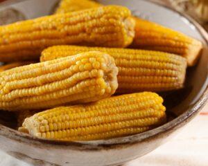 Troceamos la mazorca de maíz