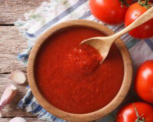 bol con tomate frito