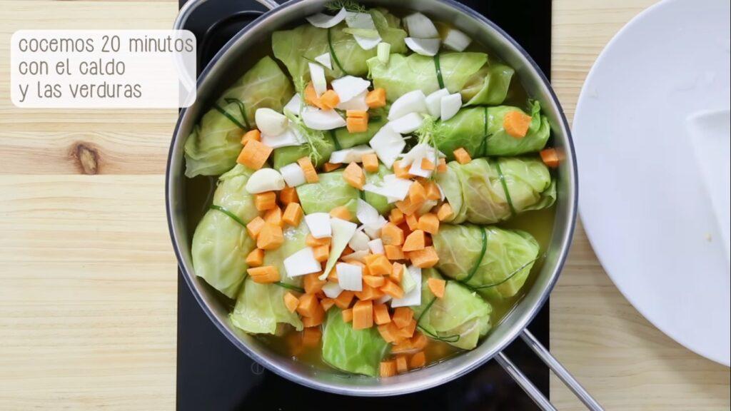 Cocemos 20 minutos con el caldo y las verduras