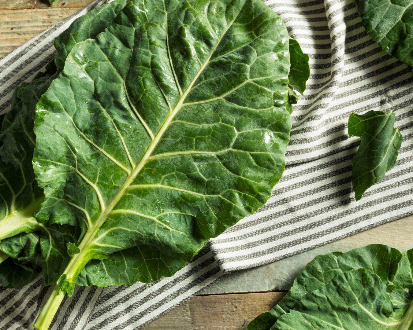 Cocemos las hojas de col en abundante agua