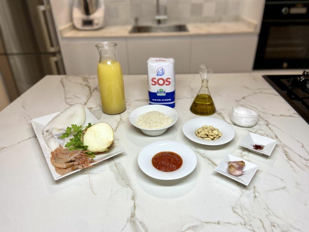 Ingredientes para  hacer arroz de sepia y gambas