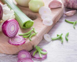 cebolla y puerro cortados