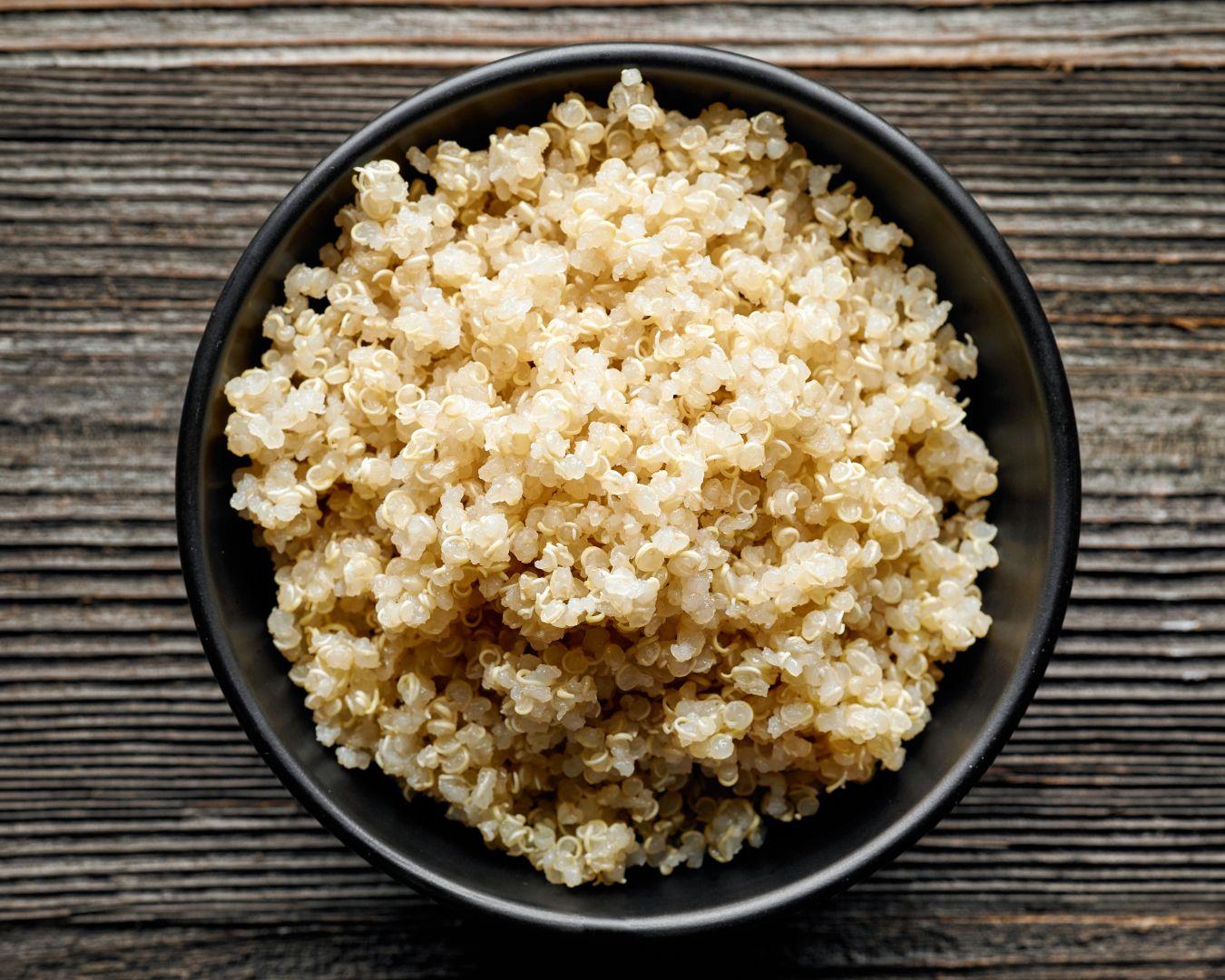 Mezclamos la quinoa con el resto de ingredientes
