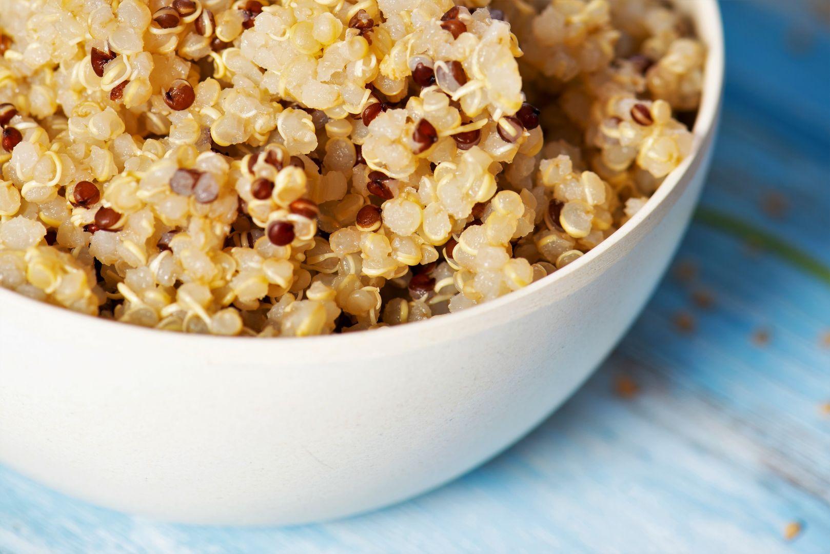 Disponemos la quinoa en un bol
