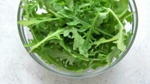hojas de rúcula