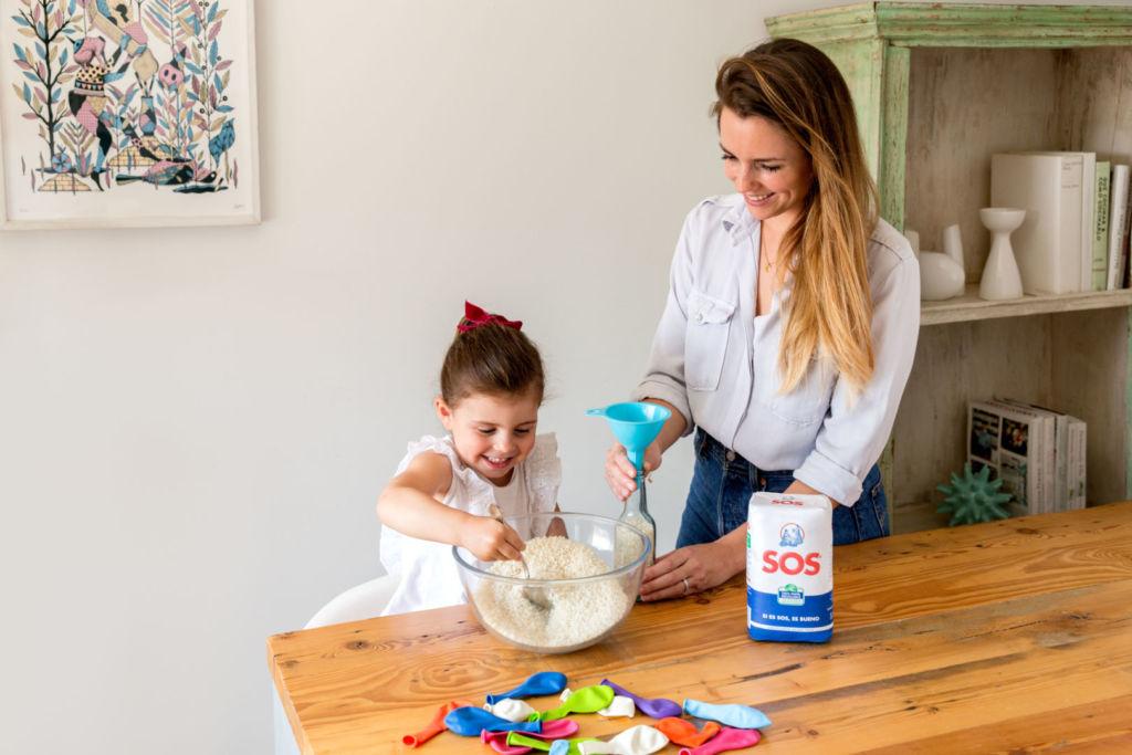 manualidad bolas de arroz malabares niños casa diversion creatividad