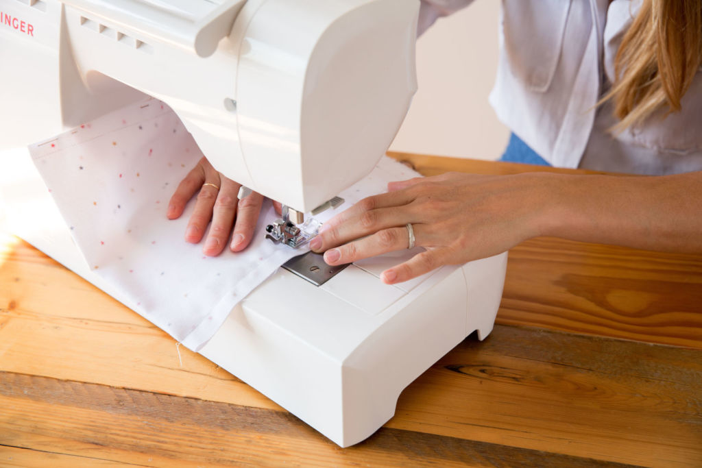 coser tela bolsa de arroz para relajacion manualidades