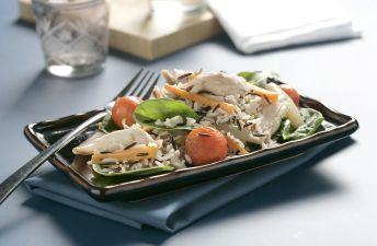 Deliciosa ensalada arroz y conejo en escabeche