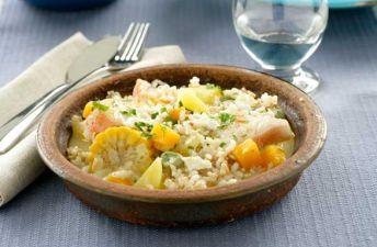 plato de chupe de pescado con arroz integral y quinoa