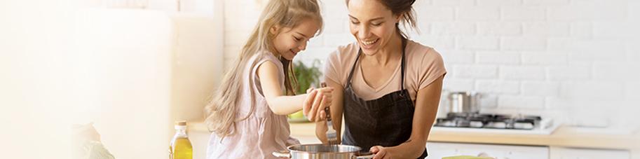 madre-hija-cocina
