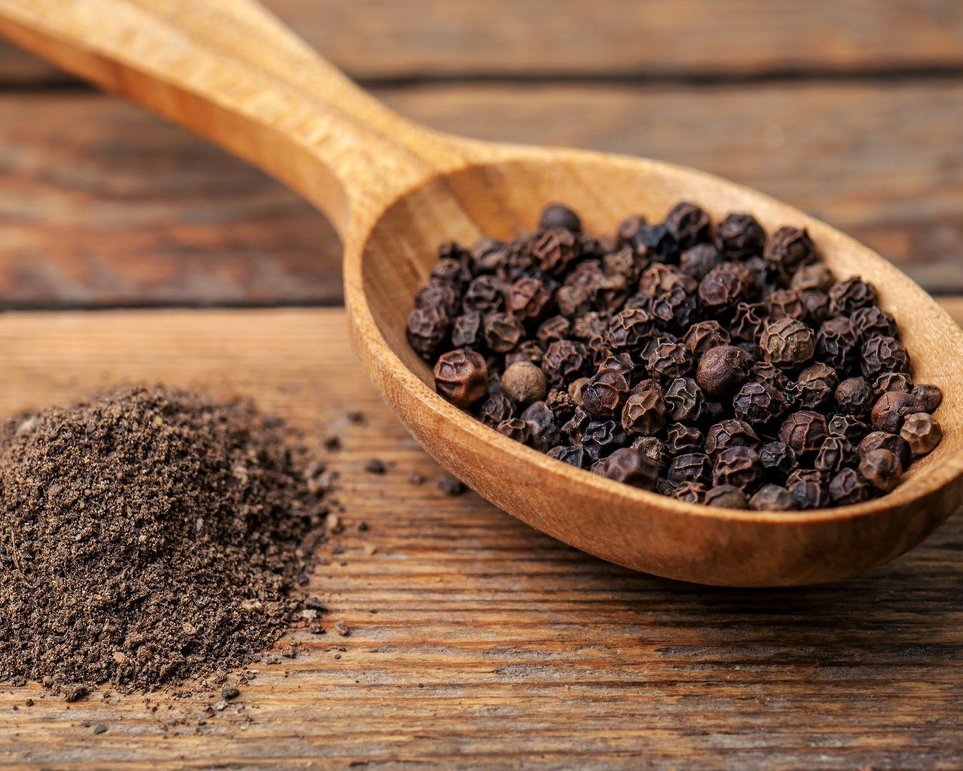 pimienta-negra-molida-y-en-grano