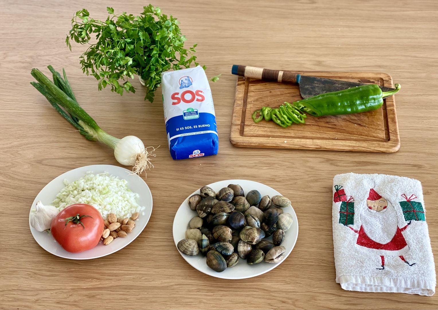 ingredientes-para-preparar-un-arroz-con-almejas-de-aprovechamiento