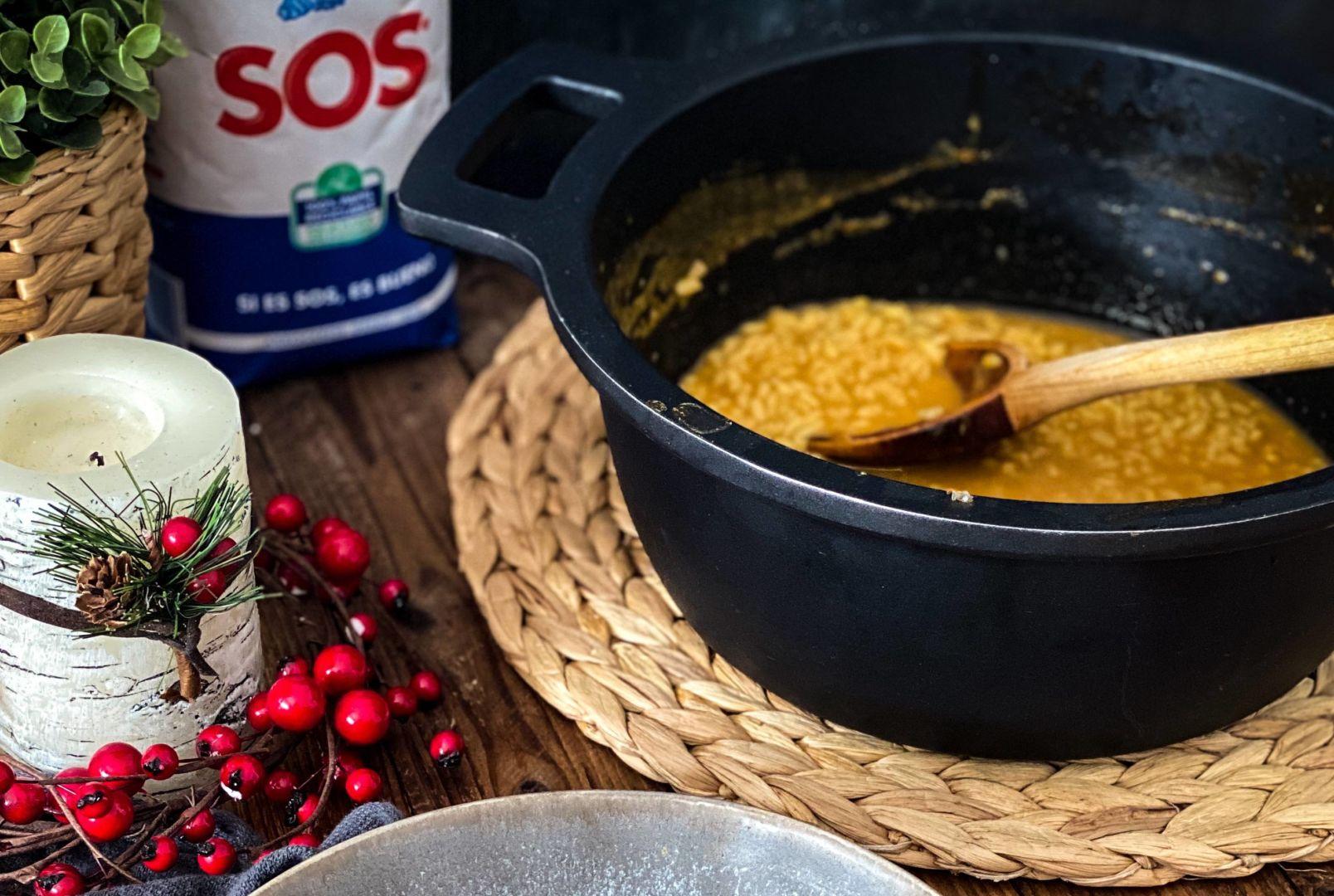 cazuela-con-arroz-meloso-de-gambones-y-paquete-de-arroz-sos-redondo