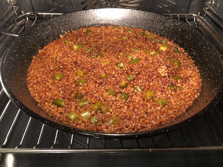 horneamos-el-arroz-sos-con-los-esparragos-hasta-que-quede-seco