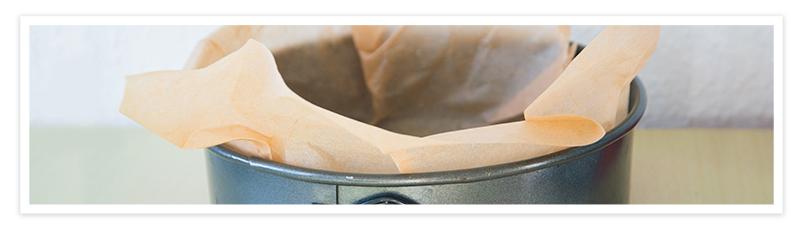 Ponemos la base de las galletas en un molde desmontable